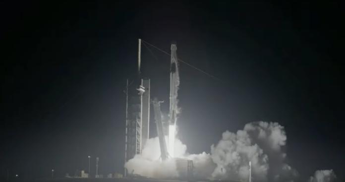 SpaceX успішно протестувала космічний корабель Сrew Dragon