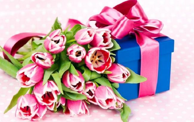 Подарунки колегам на 8 березня: що саме обрати