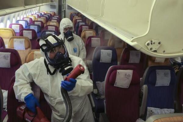Український літак евакуює з Уханя 11 іноземців