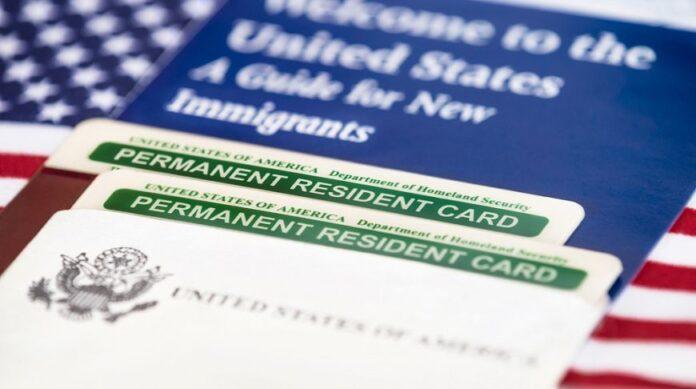 США ускладнять правила видачі грін-карт