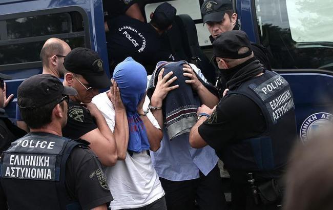 В ході поліцейської операції, було заарештовано вісімнадцять іноземців