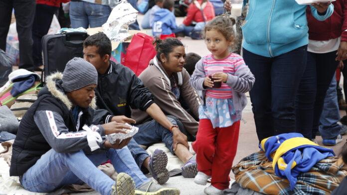 Фінляндія прийме неповнолітніх мігрантів з Греції