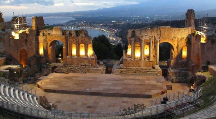 Театри, кінотеатри, клуби закриваються в Греції на 2 тижні