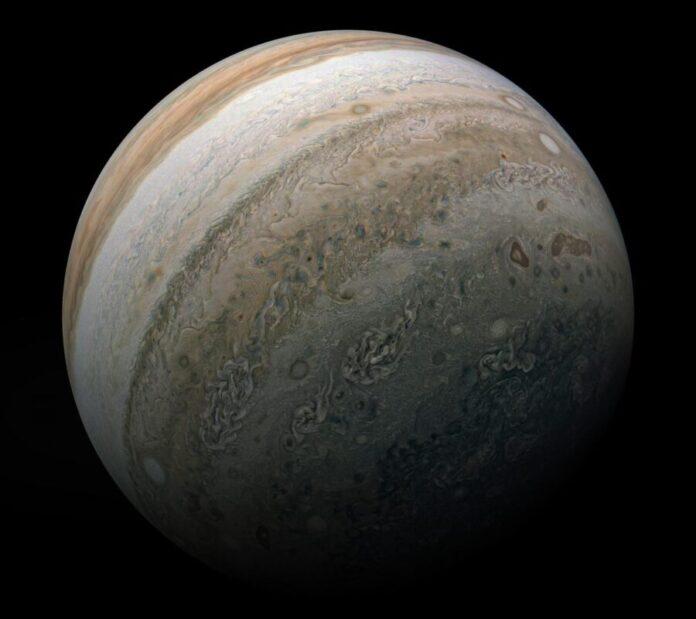 NASA показало нове фото південної півкулі Юпітера