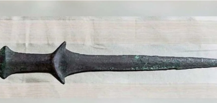 У венеціанському монастирі випадково виявили найстаріший меч в світі