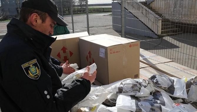 З України намагалися вивезти 21 тисячу респіраторних масок заявленою вартістю понад 40 тисяч доларів