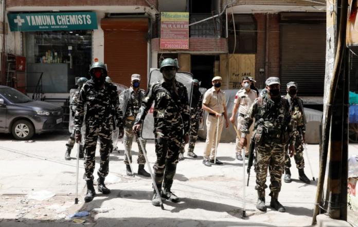 З 25 березня в Індії ввели карантин на 21 день