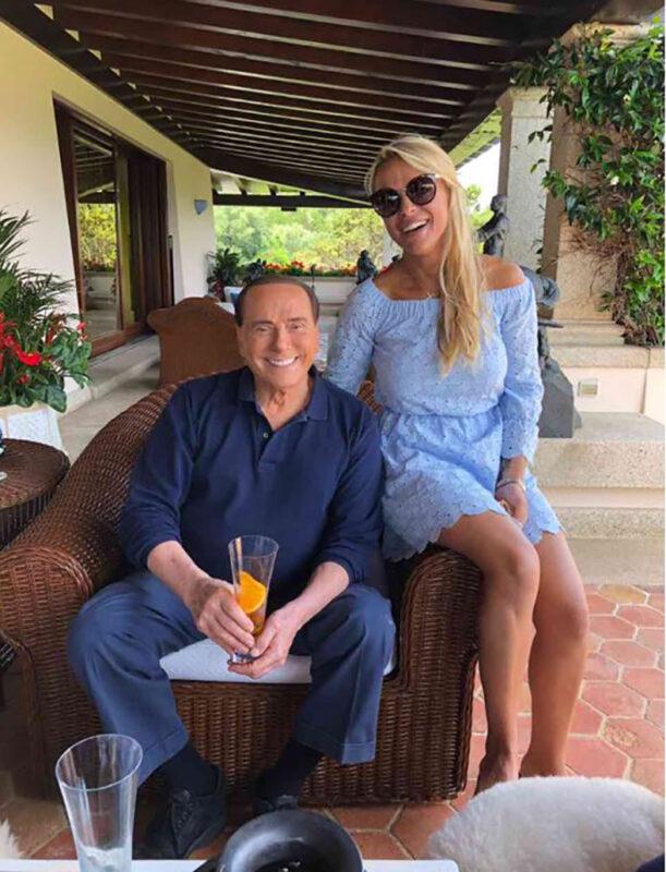Сільвіо Берлусконі кинув молоду подружку заради іншої
