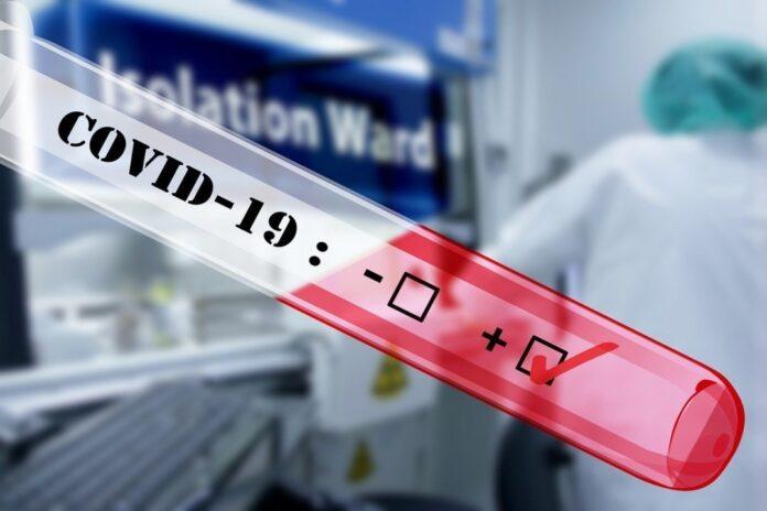 12 українців за кордоном борються з коронавірусом