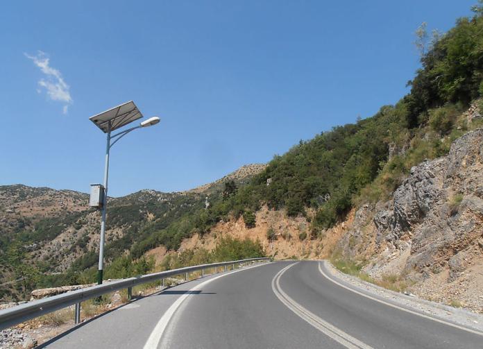 Петсас заявив, що Греція може перекрити платні дороги перед Великоднем