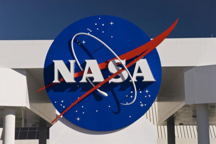 NASA запустить спеціальну місію, щоб перенаправити астероїд