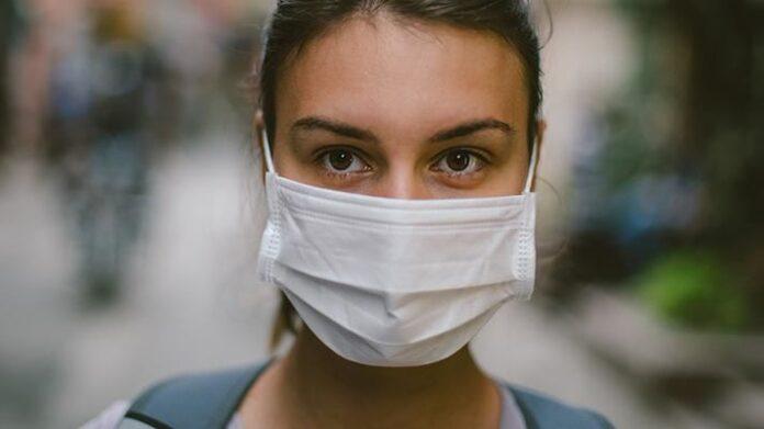 Греція: ціни на маски для обличчя значно знизилися