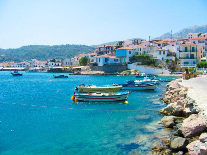У три етапи буде відновлено рух на грецьких островах