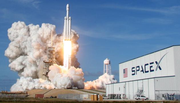 SpaceX запустить чергову партію супутників на орбіту Землі