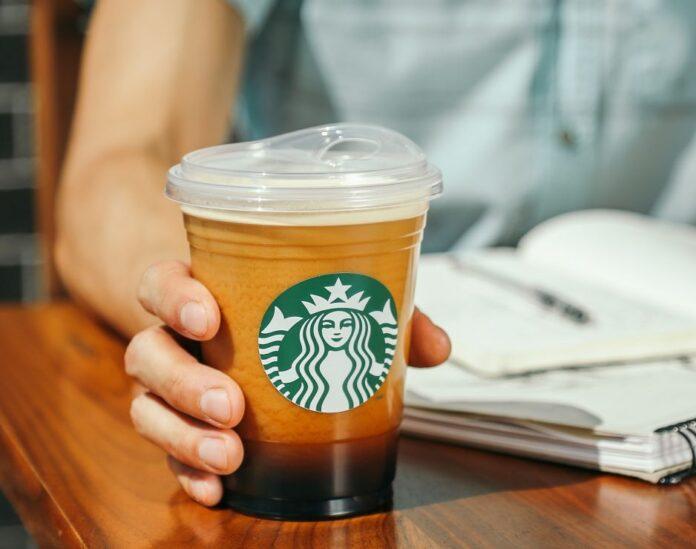 США: бариста отримав $50 тисяч чайових за відмову обслуговувати клієнтку без маски