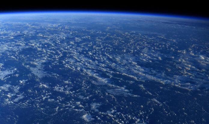 Астронавт показав приголомшливе фото Землі з МКС