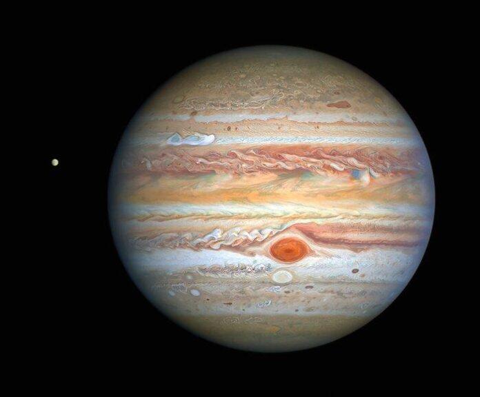 Хаббл зробив новий знімок Юпітера