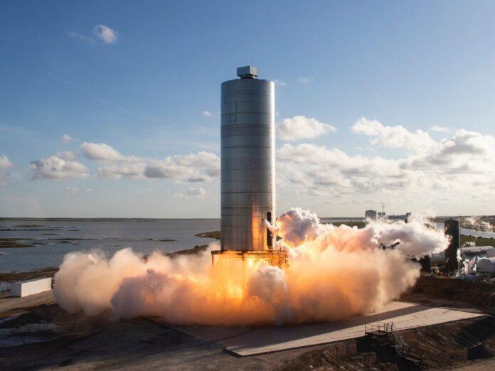 Ілон Маск показав фото збірки першого корабля SpaceX Starship