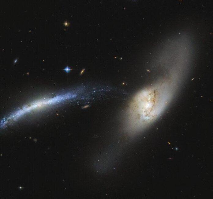 Вчені показали зіткнення двох галактик