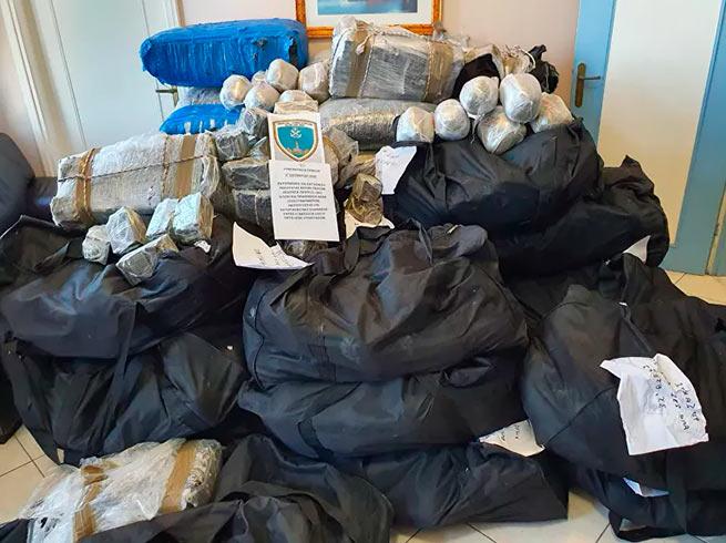 Берегова охорона виявила 1185 кг канабісу на суму 6,75 млн євро