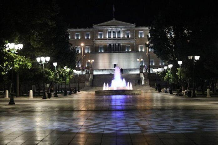 Уряд Греції посилив у