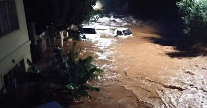 Крит: шокуючі кадри природних катаклізмів і робота рятувальних бригад в Малії, зафіксовані на відео і фото
